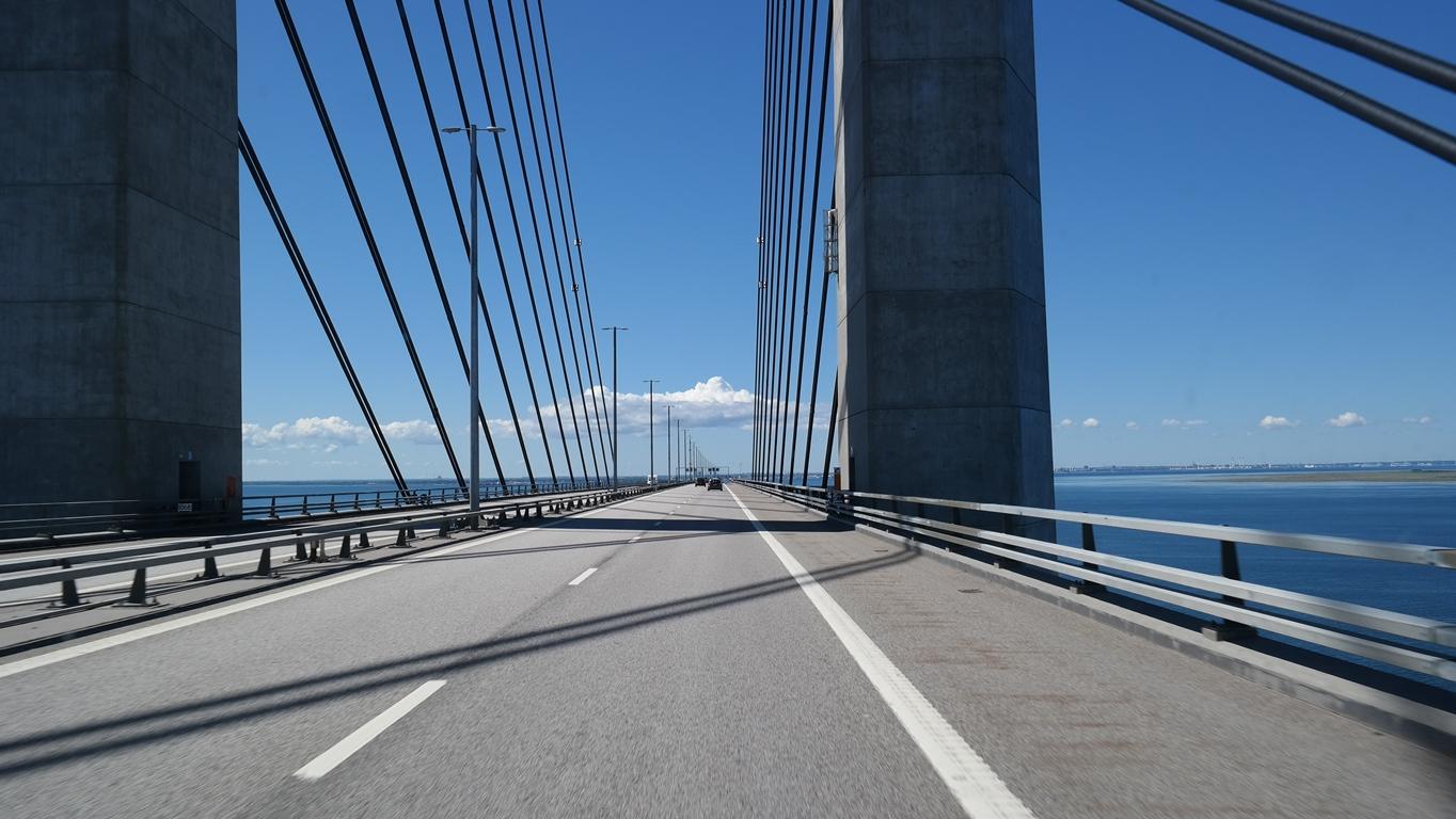 Öresundsbron i strålande solsken