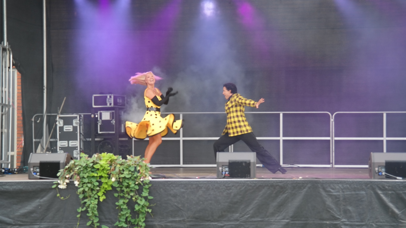 dansshow på Stora Nolia