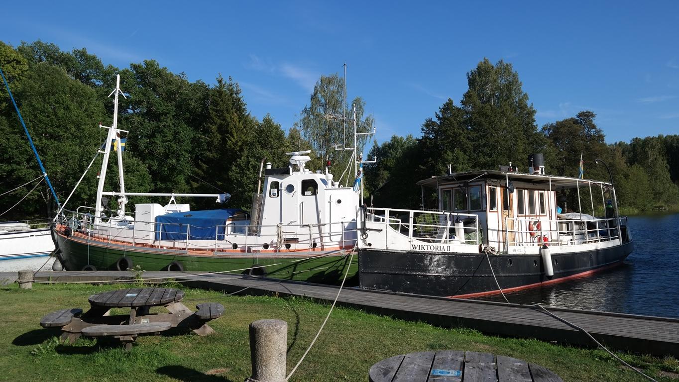 Några båtar av äldre modell, tror inte de används såå ofta! :-)